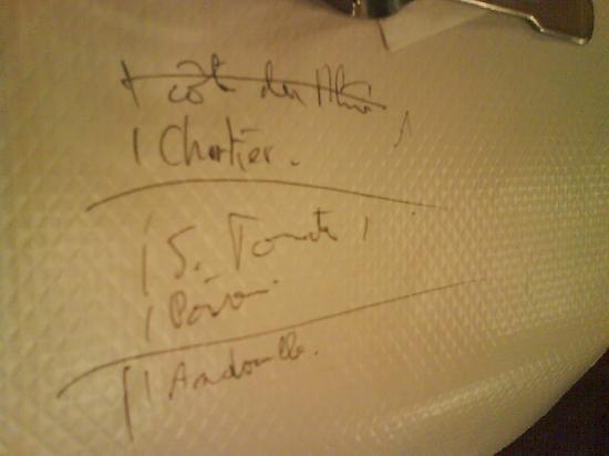 Le Bouillon Chartier: La note sur la nappe en papier !