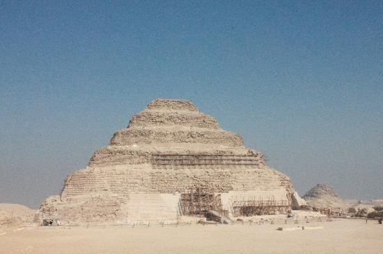 Step Pyramid of Djoser: 階段ピラミッド