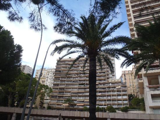 Principato di Monaco: Ugly huge buildings