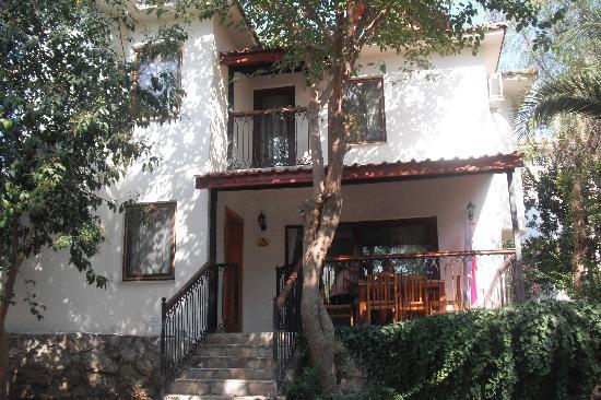 Orka Club Hotel & Villas: 3 bed villa great!
