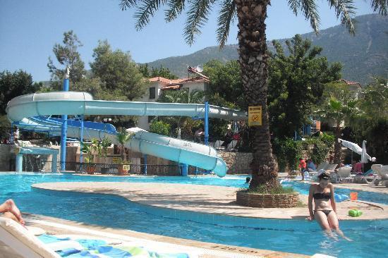 Orka Club Hotel & Villas: great pool and slide, but quite deep beware!1/