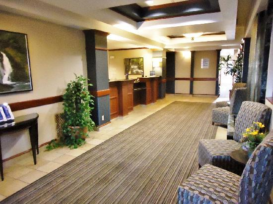 Holiday Inn Express Ashland: Lobby