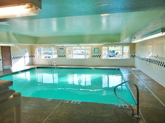 Holiday Inn Express Ashland: Pool