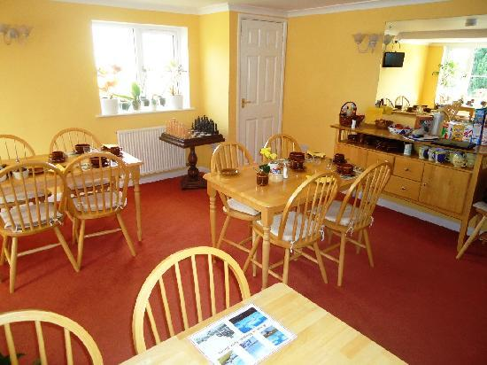 St. Edmundsbury Bed and Breakfast: Breakfast area
