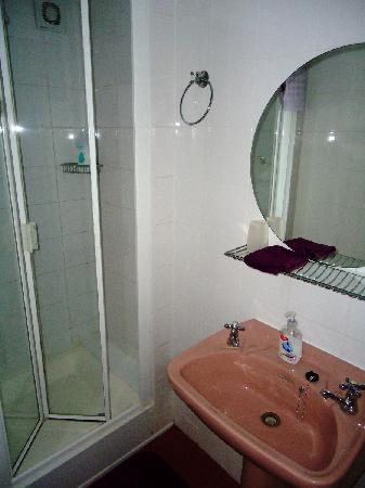 St. Edmundsbury Bed and Breakfast: Bathroom