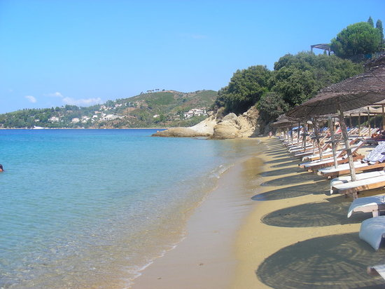 Vromolimnos beach skiathos greece top tips before you for Best hotels in skiathos