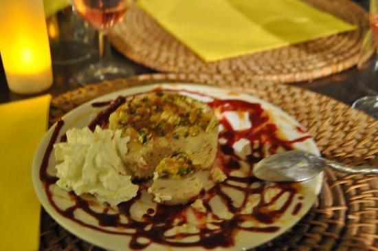 L'Olivade : dessert: nougat glacè al pistacchio