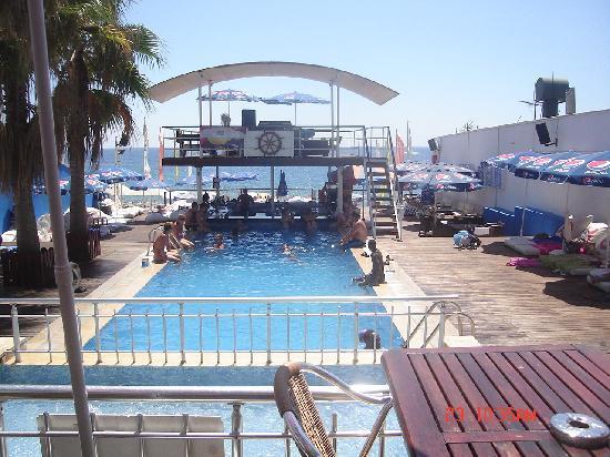 Club Big Blue Suite Hotel: havana club