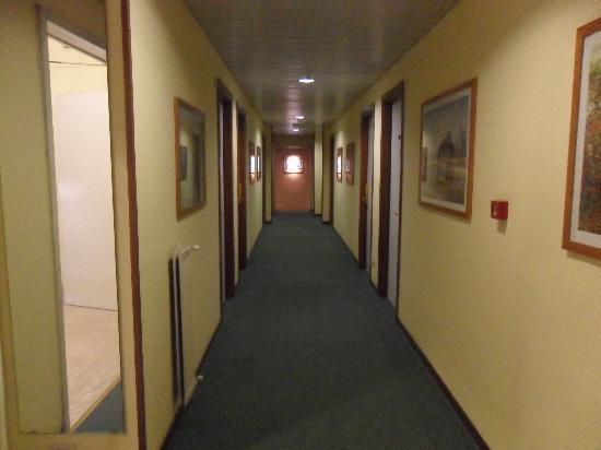 Hotel Giardino d'Europa : Corridoio