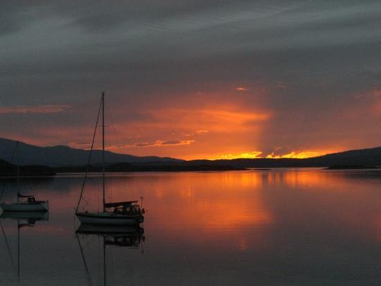 Oyster Inn: what a sunset from the dining room