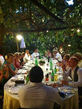 Ristorante 'O Parrucchiano La Favorita: Our table of friends and family