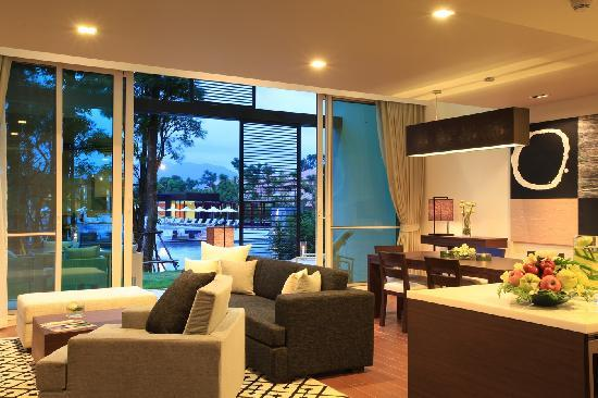 Angsana Villas Resort Phuket: 2Bedroom Suites Living Area