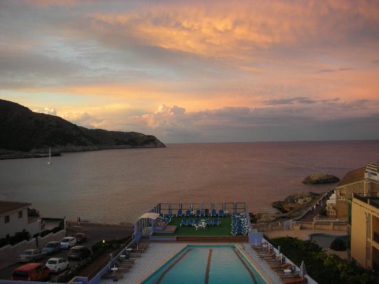 Mar Azul PurEstil Hotel & Spa: Vista dal Mar Azul al tramonto