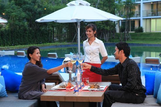 Angsana Villas Resort Phuket: Pool Side at Panache Restaurant