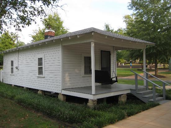 Elvis Presley Birthplace & Museum: Birthplace