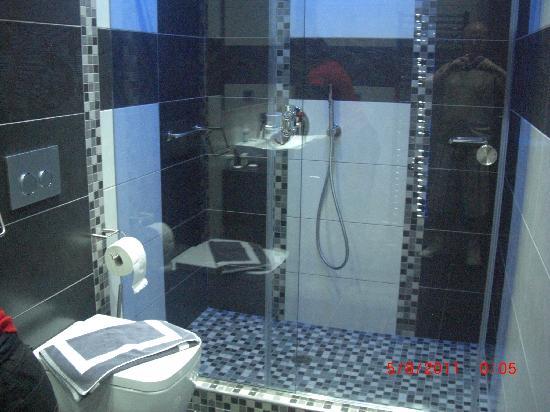 Hotel Tony: La salle de bain