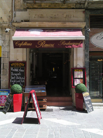 The 10 best valletta restaurants tripadvisor for Food bar kantina