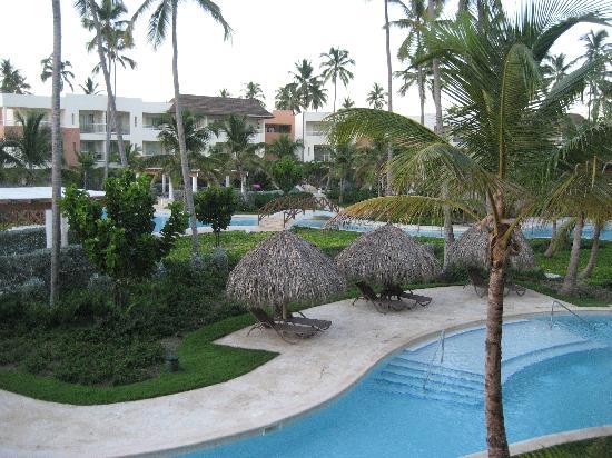 Secrets Royal Beach Punta Cana: pool area