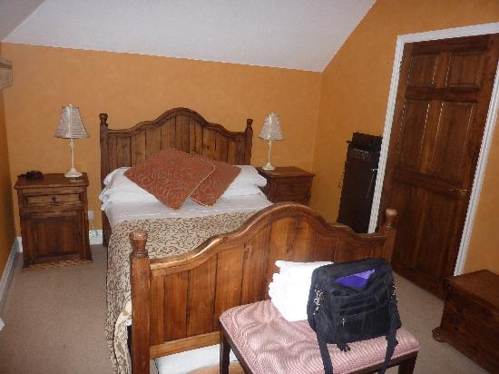 Frasers Guest House: Bedroom