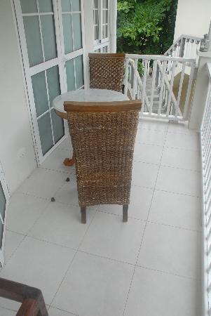 Bord Mer Villa: Private Balcony