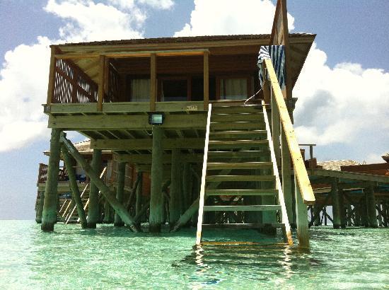 Vilamendhoo Island Resort & Spa: The jacuzzi water villa