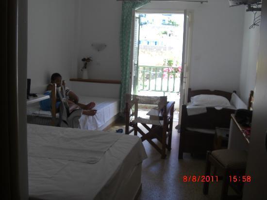 Hotel Kamari: Notre chambre Hôtel Kamari