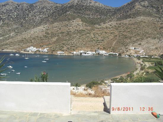 Hotel Kamari: Baie de Kamares vue de la terrasse de la maison
