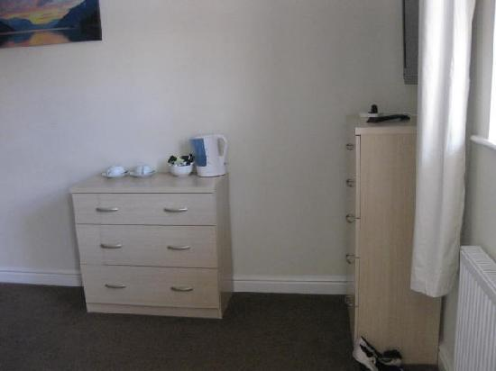 The Watergate Inn: 2 sets of drawers