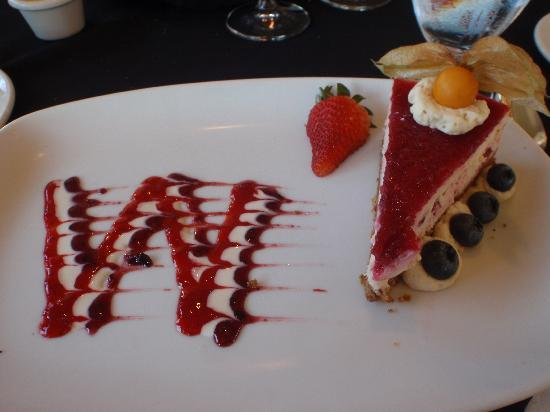 Quaaout Lodge & Spa at Talking Rock Golf Resort: cheesecake to top off the amazing meal