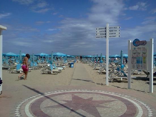 Hotel Consul Cattolica: spiaggia Altamerea la migliore!!