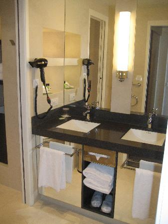 Miramar Crouesty Hotel Thalasso & Spa: Salle de bain