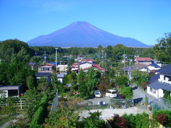 Fuji Matsuzono Hotel : 窓から見える富士山(From a window Mount Fuji)