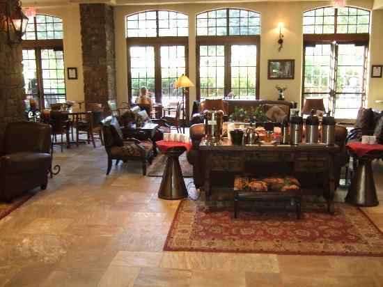 Tivoli Lodge : Hotel Lobby