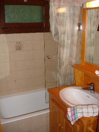 La Residence: salle de bain