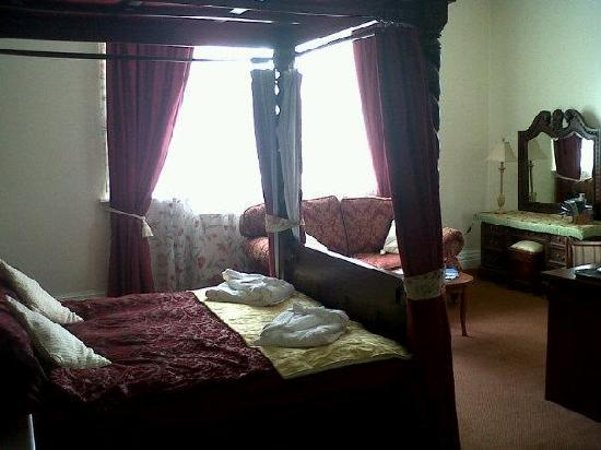 The Station Hotel: Our room upon arrival