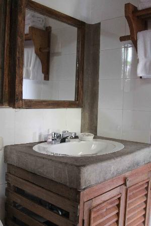 Rupa Wasi  Lodge : Salle de bain, chambre de luxe