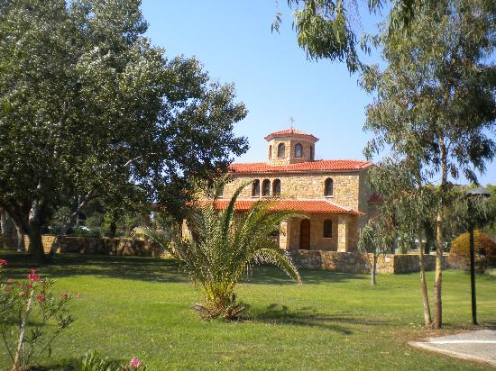 Sani Asterias: picturesque and well maintained facilities