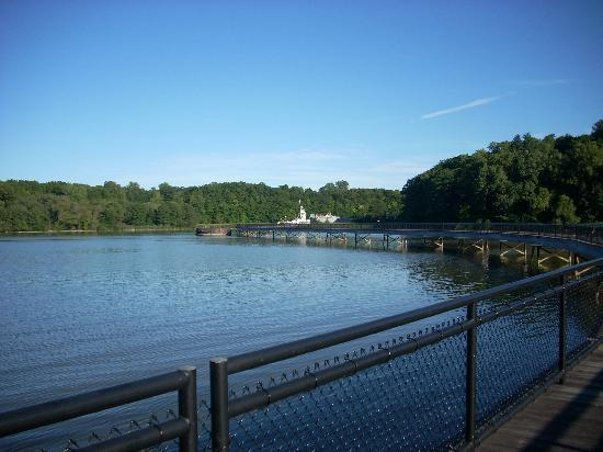 Genesee Riverway Trail : turning point park