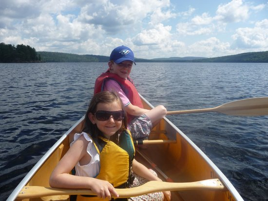 Tujaw Canoeing - Private Excursions: The kids enjoying the outing