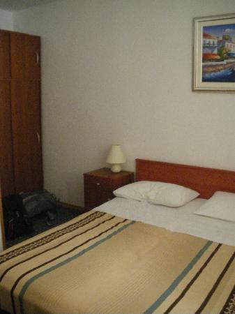 Rooms Kortizija: Our room