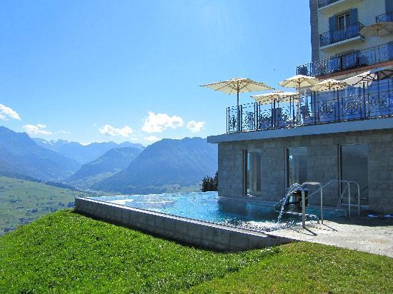 Hotel Villa Honegg: Infinity Pool