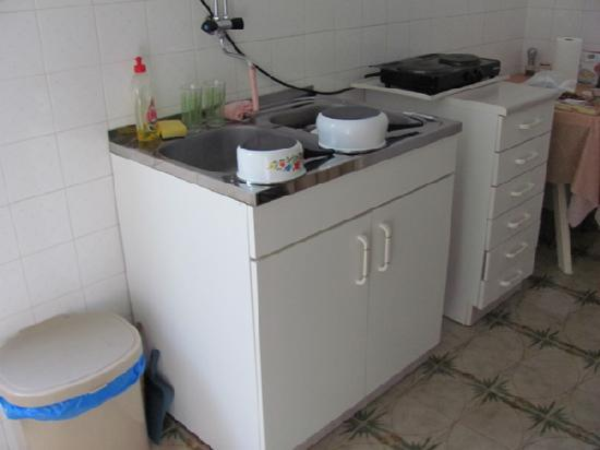 Hostel Suranj: Kotor, Suranj: small kitchen