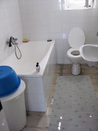 Hostel Suranj: Kotor, Suranj: bathroom