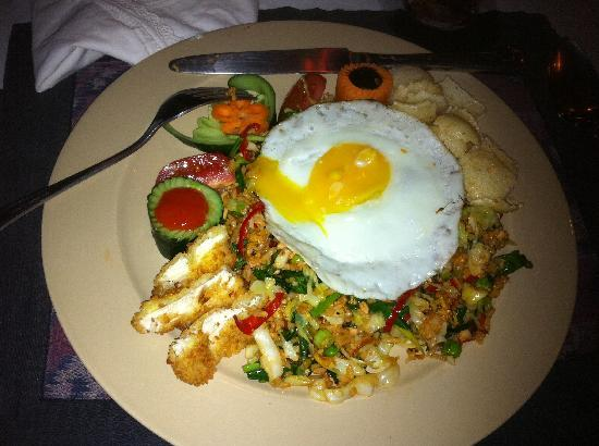 Blue Moon Villas: Mee Goreng - dinner - Delish!!