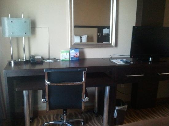 Holiday Inn Hotel-Houston Westchase: Desk Area