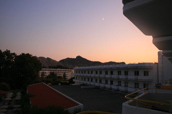 Irene Palace Hotel: Looking at the neighbours from our special room