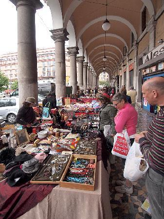 B&B di Piazza Vittorio: The flea market nearby