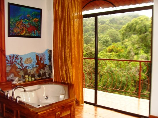 Hotel San Bada: Mogote Suite Jacuzzi view to Manuel Antonio National Park jungle