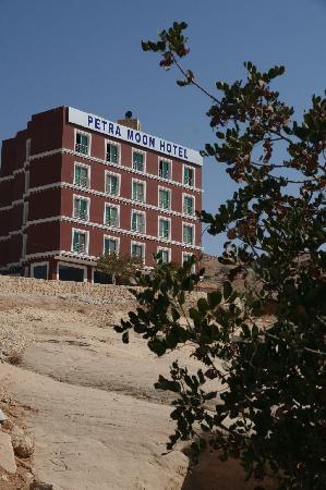 Petra Moon Hotel: External View