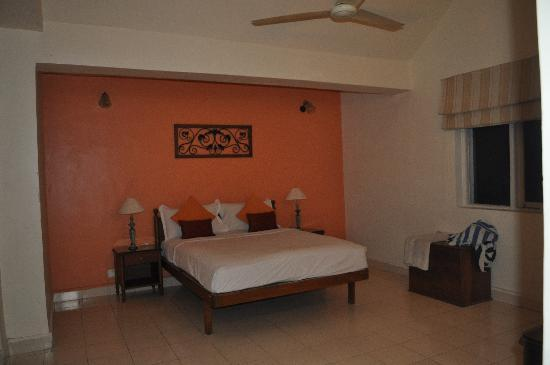 Karma Royal Benaulim: Main Bedroom